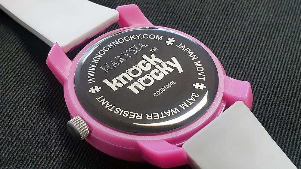 Jak zamówić zegarek z grawerem?